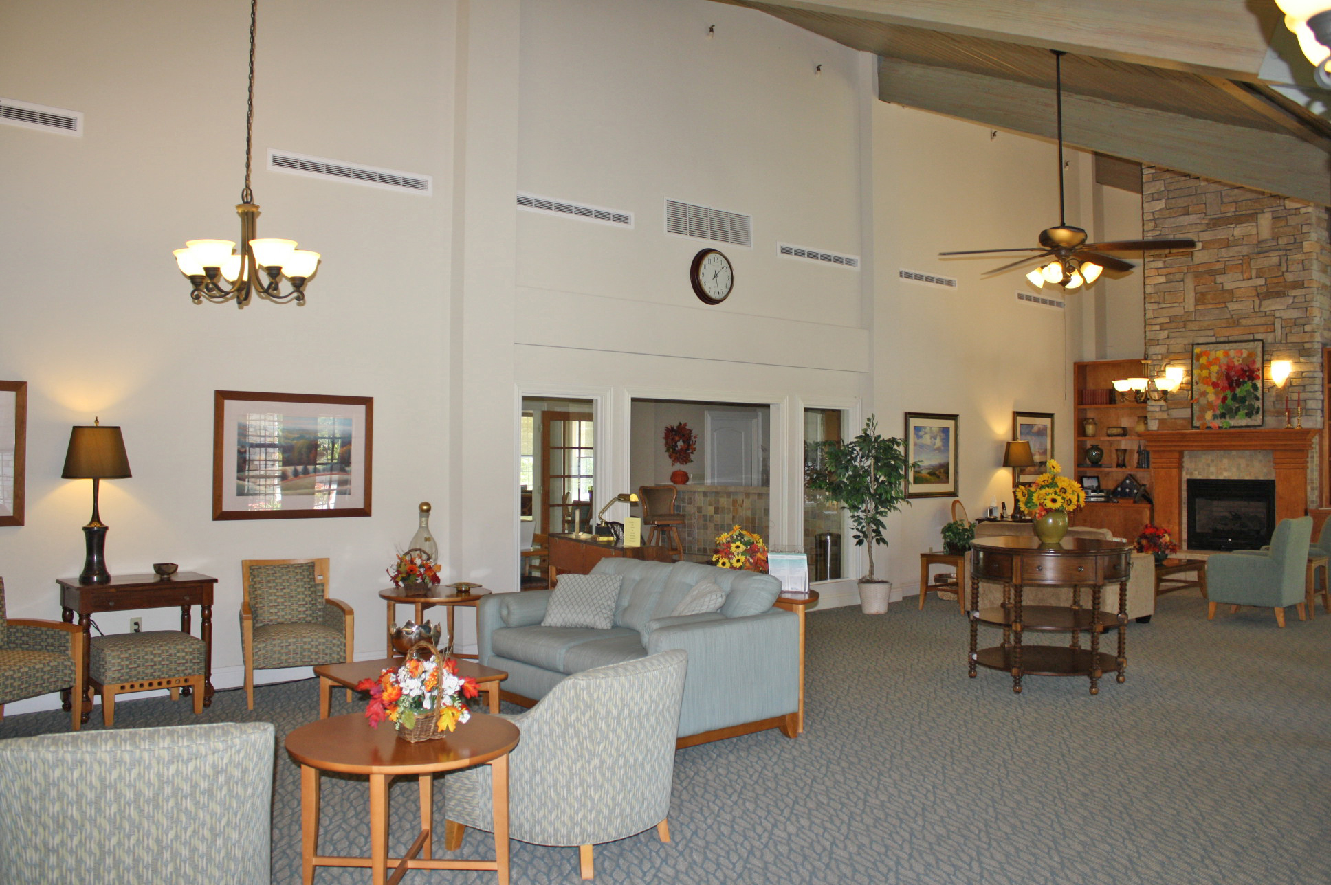 Lobby Area | The Plaza at Highlands Crossing